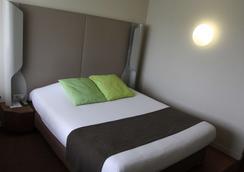 沙特尔钟楼酒店 - 沙特尔 - 睡房