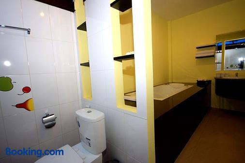苏桑岛度假村 - 奥南海滩 - 浴室