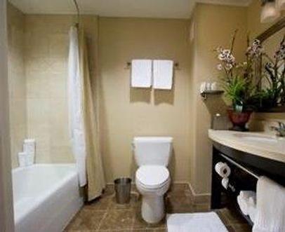 西方套房酒店 - 卡尔斯巴德 - 浴室