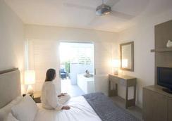 胡椒海滩俱乐部酒店 - 道格拉斯港 - 睡房