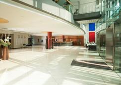 帕拉斯威斯巴登多林特饭店 - 威斯巴登 - 大厅