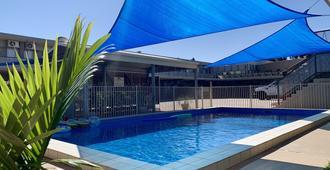 米尔迪拉中央汽车旅馆 - 米尔迪拉 - 游泳池