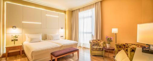 维戈帕拉西奥nh酒店 - 维戈 - 睡房