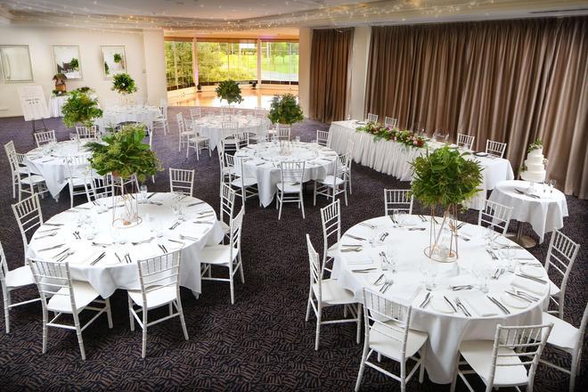贝斯特韦斯特Plus奥尔伯里霍维尔特雷酒店 - 奥尔伯里 - 宴会厅