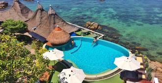 龟岛dd小屋酒店 - 龟岛 - 游泳池