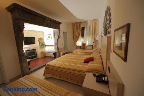 飞奥罗尼酒店 - 贝拉吉奥 - 睡房
