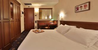 贝斯特韦斯特城市酒店 - 博洛尼亚 - 睡房