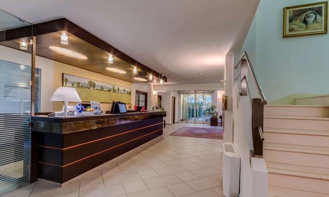 贝斯特韦斯特城市酒店 - 博洛尼亚 - 柜台