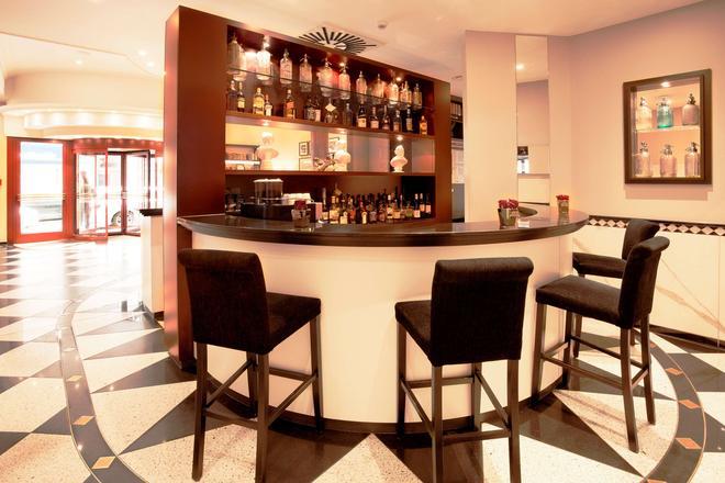 美因河畔法兰克福维多利亚酒店 - 法兰克福 - 酒吧