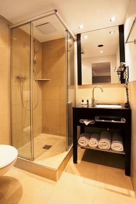 美因河畔法兰克福维多利亚酒店 - 法兰克福 - 浴室