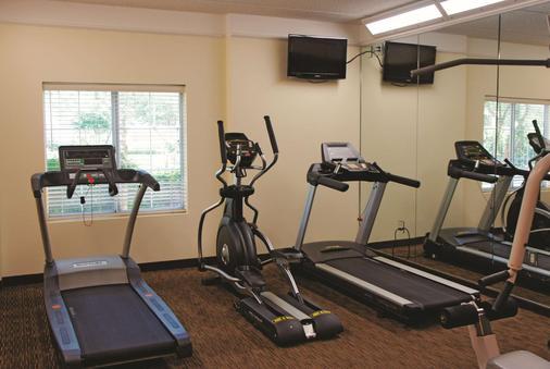 休斯顿布什iah南部拉金塔旅馆及套房 - 休斯顿 - 健身房