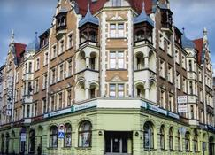 格利维策戴蒙特广场酒店 - 格利维采 - 建筑