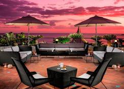 H10梅洛尼拉斯海滩皇宫酒店 - 马斯帕洛马斯 - 露台