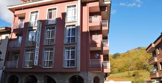 阿克波斯坎加斯酒店 - 坎加斯-德奥尼斯 - 建筑