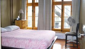 L管理酒店 - 魁北克市 - 睡房