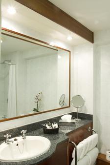 都柏林阿什林酒店 - 都柏林 - 浴室