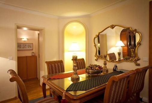 卢浮宫金狮酒店 - 巴黎 - 客厅