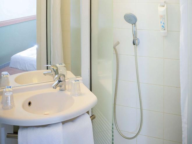 马赛瓦伦丁宜必思快捷酒店 - 马赛 - 浴室