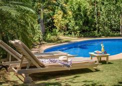 卡拉鲁纳精品别墅酒店 - 塔马林多 - 游泳池