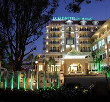 拉萨皮纳特酒店