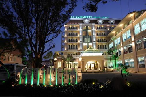 拉萨皮纳特酒店 - 达拉特 - 建筑