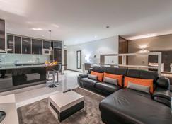 Rk Suite Hotel - 罗安达 - 客厅