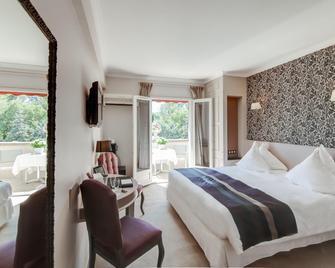 勒瓦隆德瓦鲁格温泉酒店 - 圣雷米普罗旺斯 - 睡房