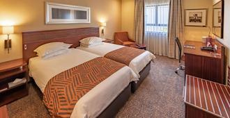 奥利弗坦博国际机场城市旅馆酒店 - 肯普顿帕克