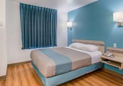罗斯威尔第6汽车旅馆 - 罗斯威尔 - 睡房