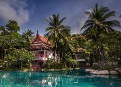 塔旺海滨度假村及温泉中心 - 卡玛拉 - 游泳池