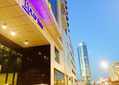 巴林金熙套房公寓酒店 - 麦纳麦 - 建筑