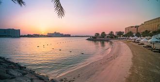 阿布扎比卡尔雅特阿尔贝里盛贸香格里拉酒店 - 阿布扎比 - 海滩