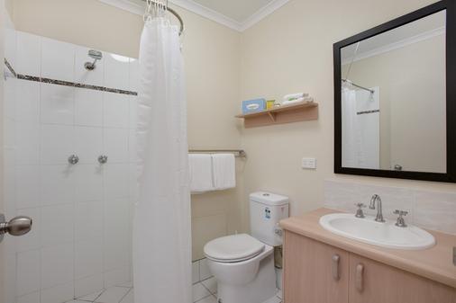 凯恩斯市谢里登汽车旅馆 - 凯恩斯 - 浴室