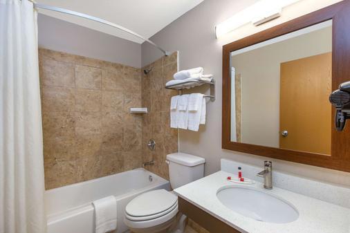 查塔努-瞭望山加速8酒店 - 查塔努加 - 浴室
