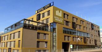 马里博尔城市酒店 - 马里博尔