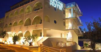 白色酒店 - 维耶斯泰