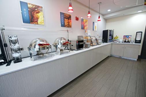佛罗里达购物中心附近机场贝斯特韦斯特酒店 - 奥兰多 - 自助餐