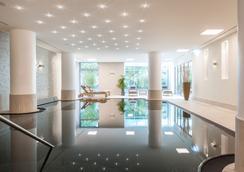 科隆梅西道瑞特酒店 - 科隆 - 游泳池