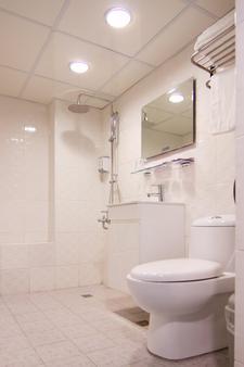 慕恋商旅 - 台中 - 浴室
