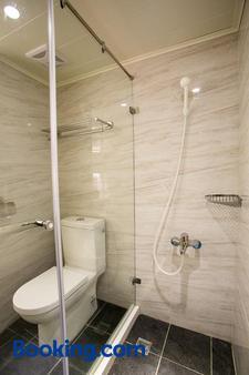 台中皇星商旅上安馆 - 台中 - 浴室