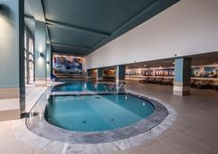 奥拉戈阿维拉嘉乐塞罗酒店 - 阿尔布费拉 - 游泳池