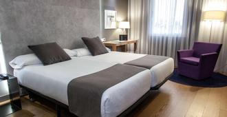 泽尼特奥尔加斯伯爵酒店 - 马德里 - 睡房