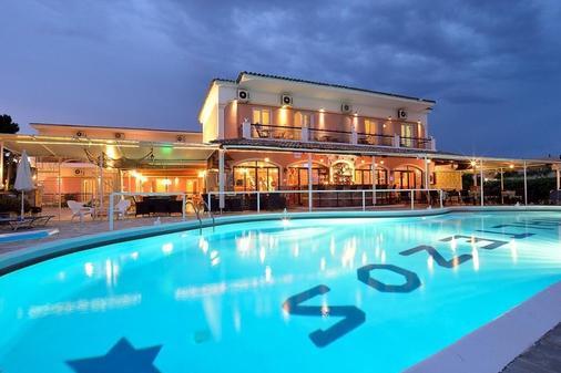 马尔泰佐斯酒店 - 科孚 - 游泳池