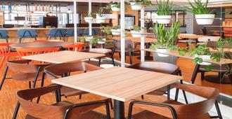 波尔多中心玛丽亚德克宜必思酒店 - 波尔多 - 餐馆