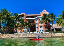 Casa Tortugas Boutique Hotel - 华雷斯港 - 建筑