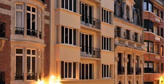宜必思尚品里尔中心格兰德广场酒店 - 里尔 - 建筑