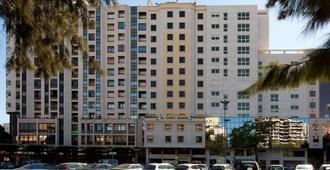 里斯本格兰德营nh酒店 - 里斯本 - 建筑