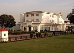 哈日尼瓦斯宫殿 - 查谟 - 建筑