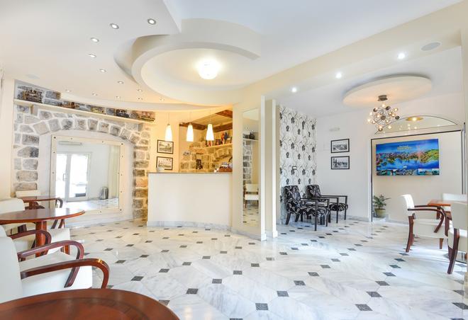 佩拉迪玛尔酒店 - 布德瓦 - 建筑