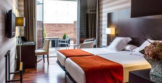 泽尼特潘普洛纳酒店 - 潘普洛纳 - 睡房
